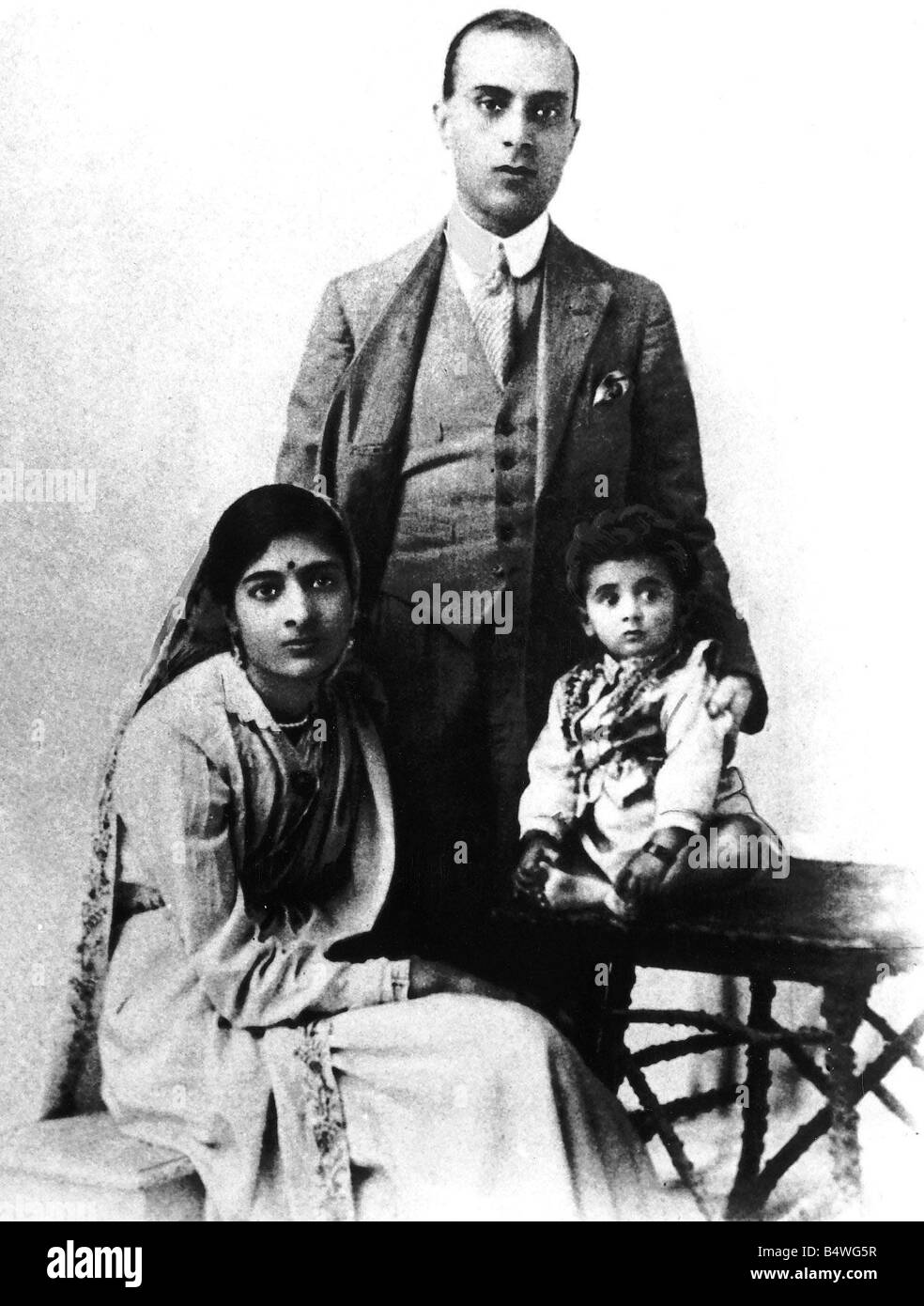 Indira Gandhi in1918 approx with her parents the nationalist leader Jawaharlal Nehru and and his wife - Stock Image