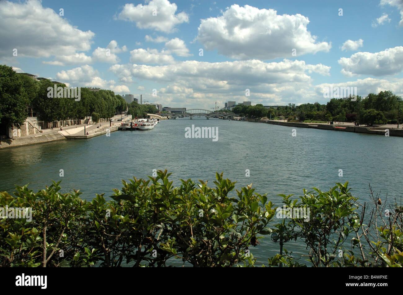Paris, Seine Bercy et le pont d'Austerlitz vue de l'ile Saint-Louis - Stock Image