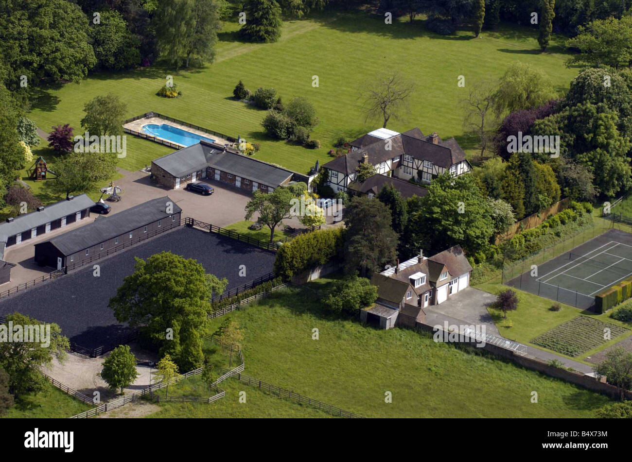 Angelina jolie mansion may 2005 the new luxury south - Princess risborough swimming pool ...