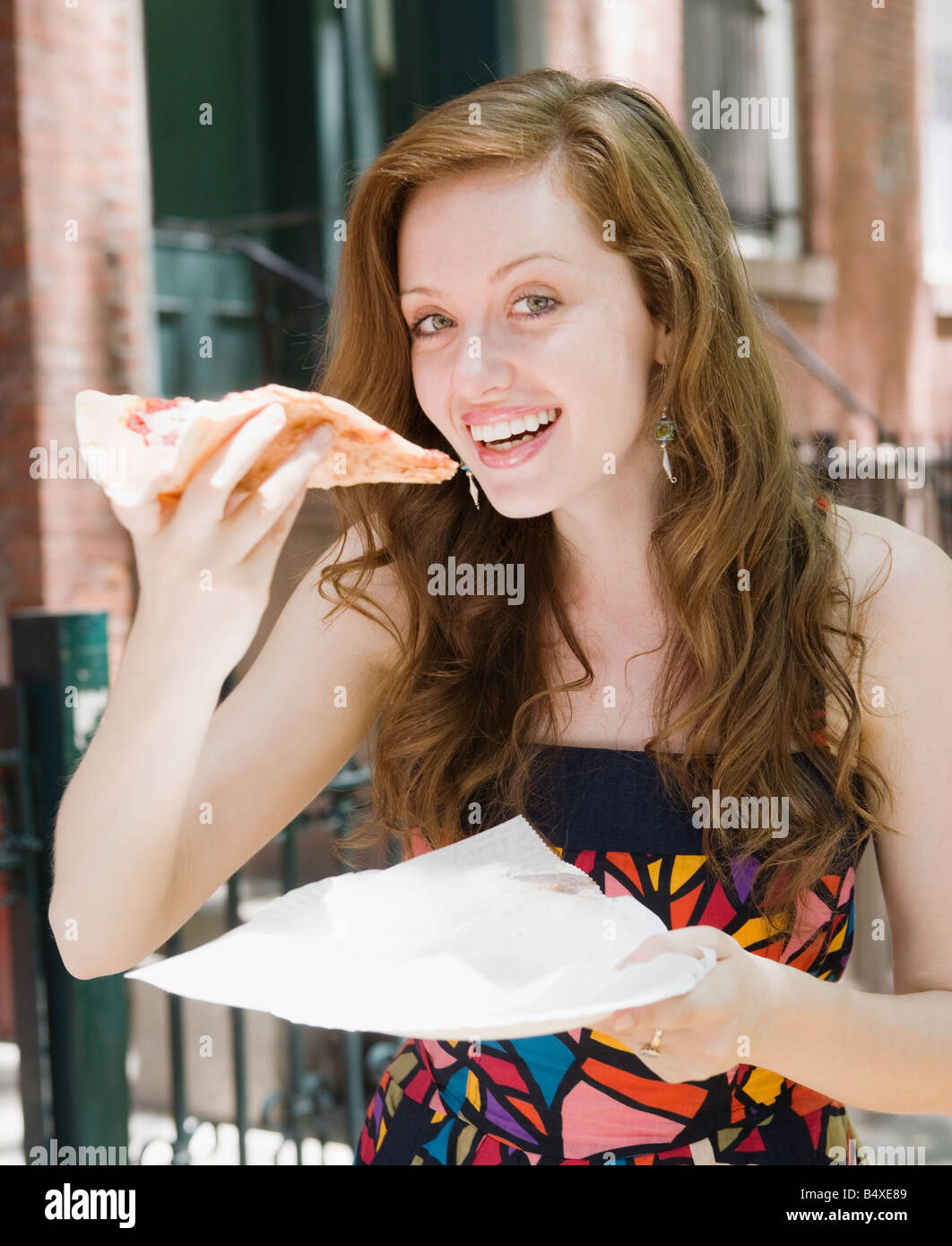 New York Pizza Eating Stock Photos & New York Pizza Eating Stock ...