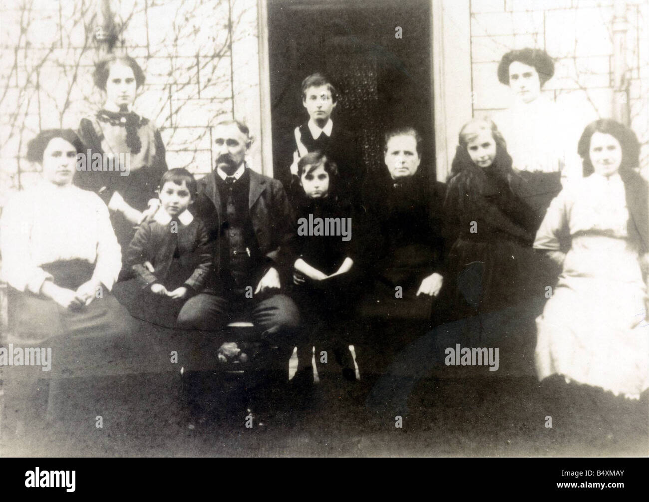 Helen Duncan Far left who was the last woman convicted of Witchcraft - Stock Image