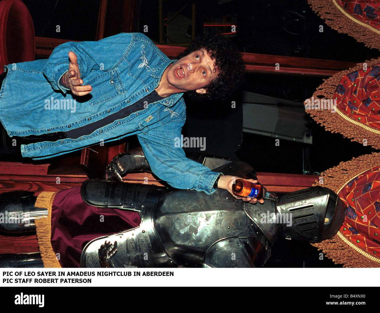 Amadeus Nightclub Aberdeen leo sayer february 1999 holding bottle of beer in amadeus