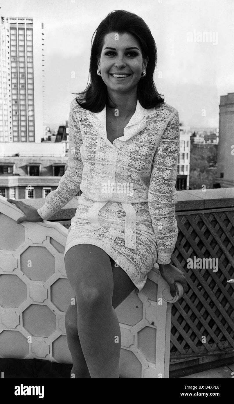 images Tina Sinatra