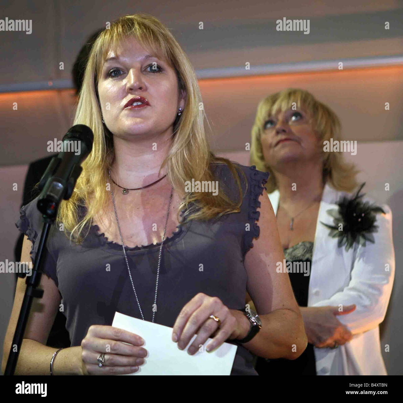 Amanda Ross Managing Director CACTUS TV AT THE GALAXY BOOK AWARDS SHORT LIST 7 MATCH 2007 PICTURE IAN VOGLER - Stock Image
