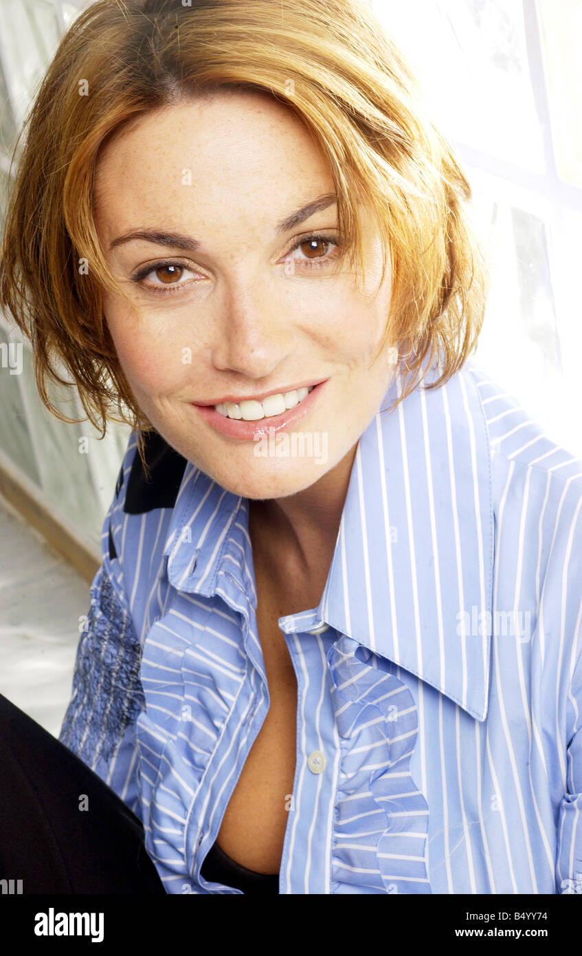 Sarah Parish Nude Photos 10