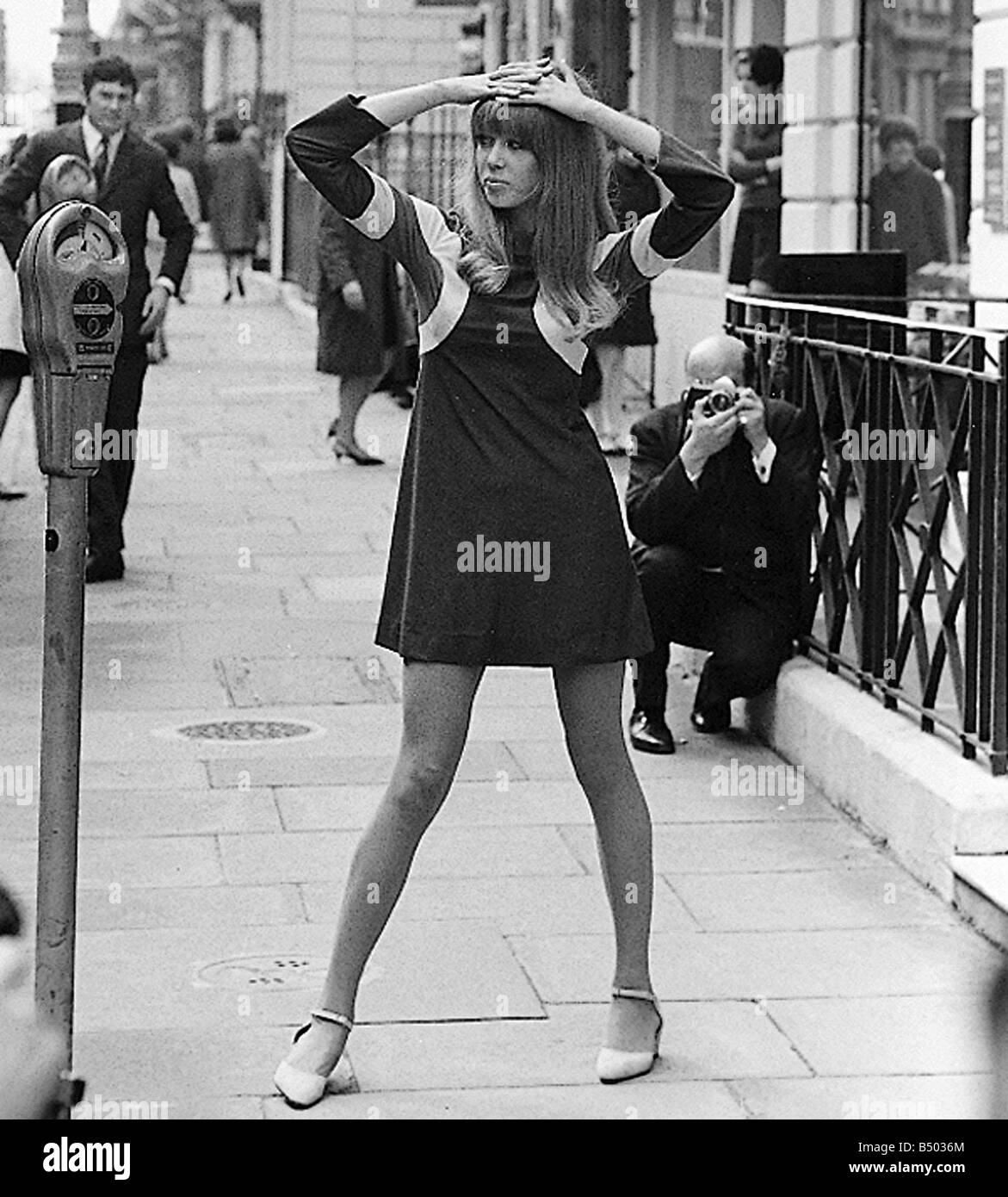 Beatles Files 1966 Model Patti Boyd Girlfriend Of George Harrison Being Photographed In The Street