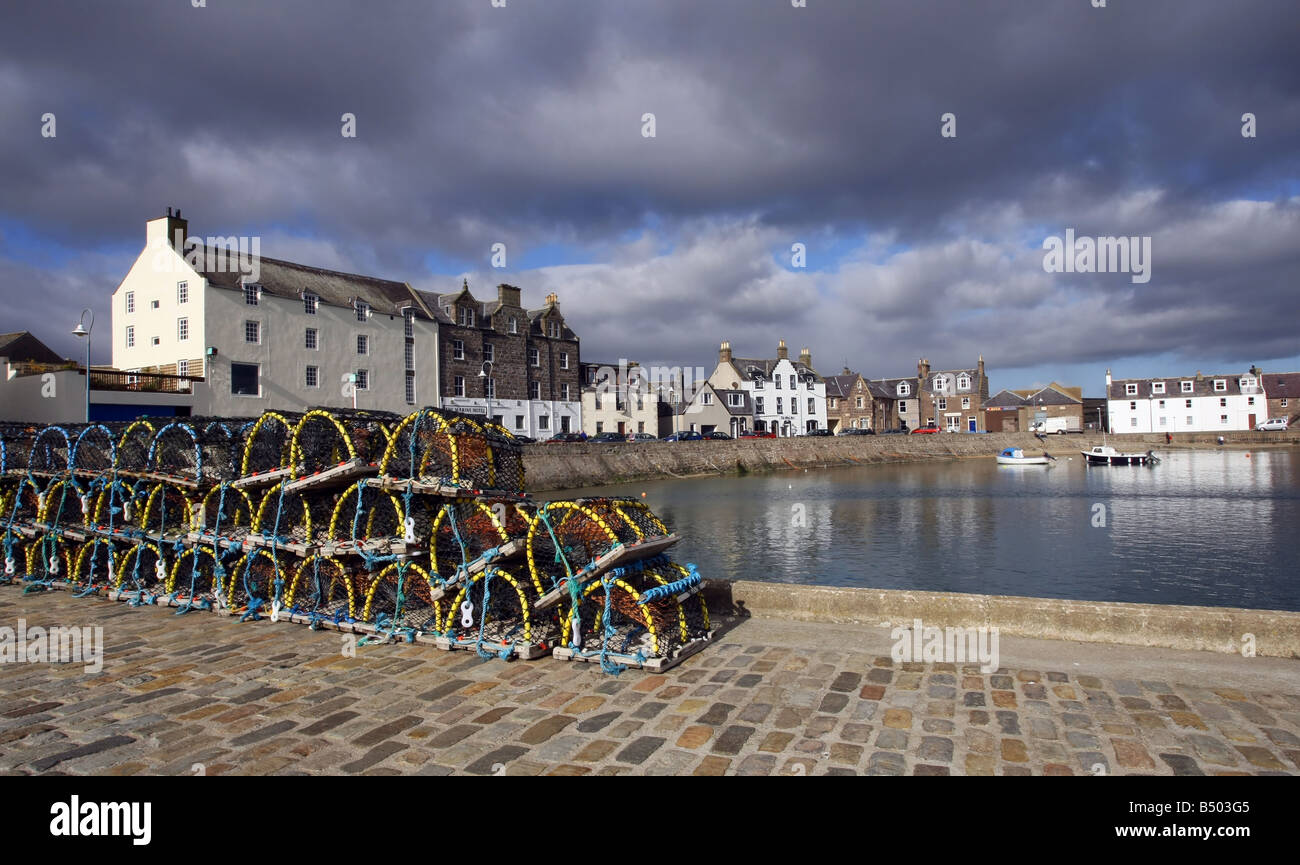 Daytime view of the former fishing harbour and town of Stonehaven in Aberdeenshire, Scotland, UK - Stock Image