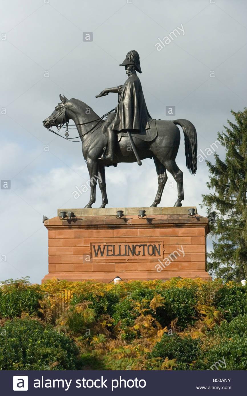 Statue of 1st Duke of Wellington Arthur Wellesley and his horse Copenhagen on Round Hill Aldershot England - Stock Image