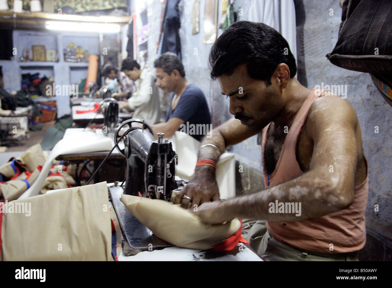 Men working in sewing factory in Jodhpur, Rajasthan, India - Stock Image