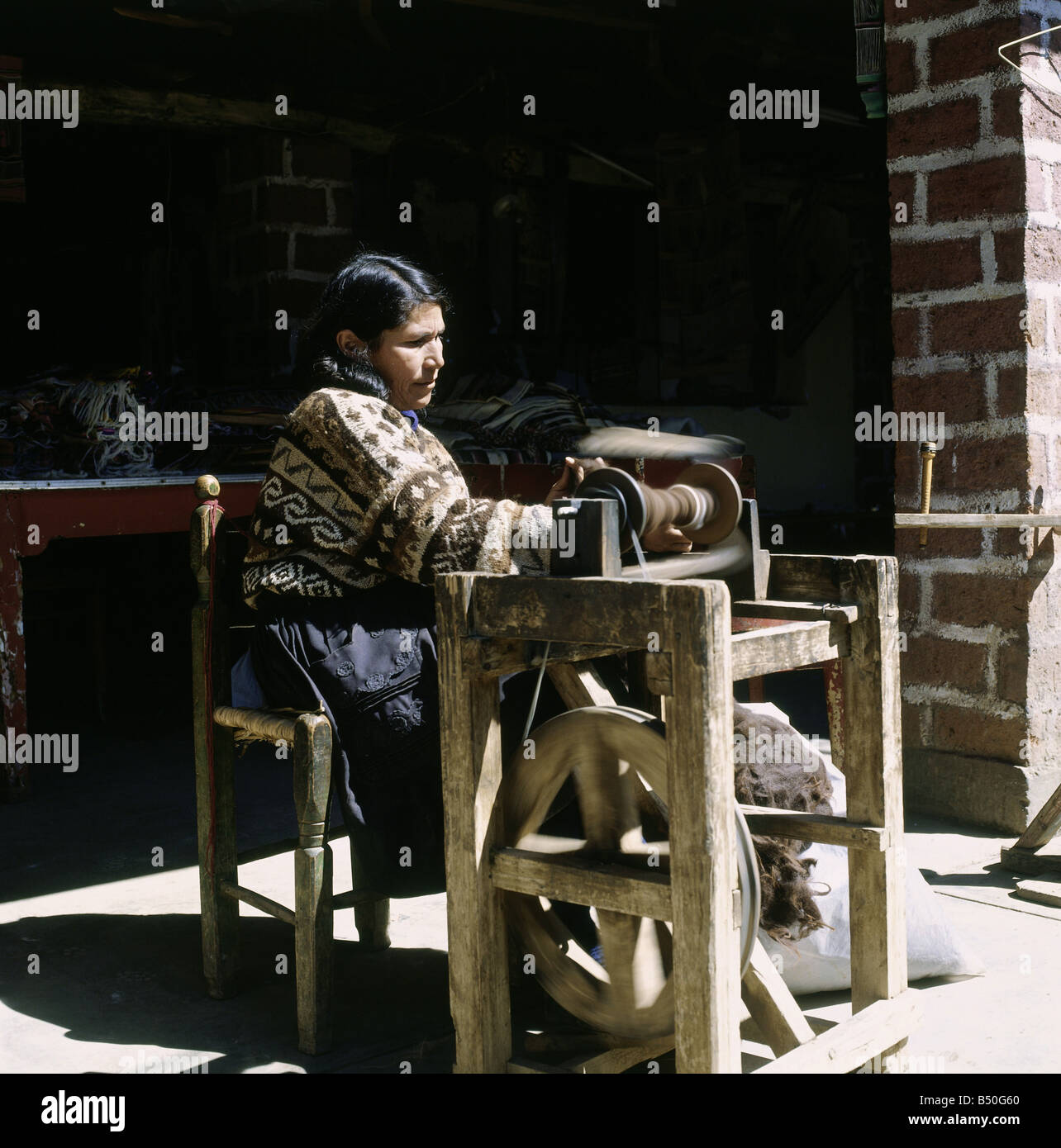 geography / travel, Peru, craft / handcraft, spinning woman in Huancayo, Additional-Rights-Clearance-Info-Not-Available - Stock Image