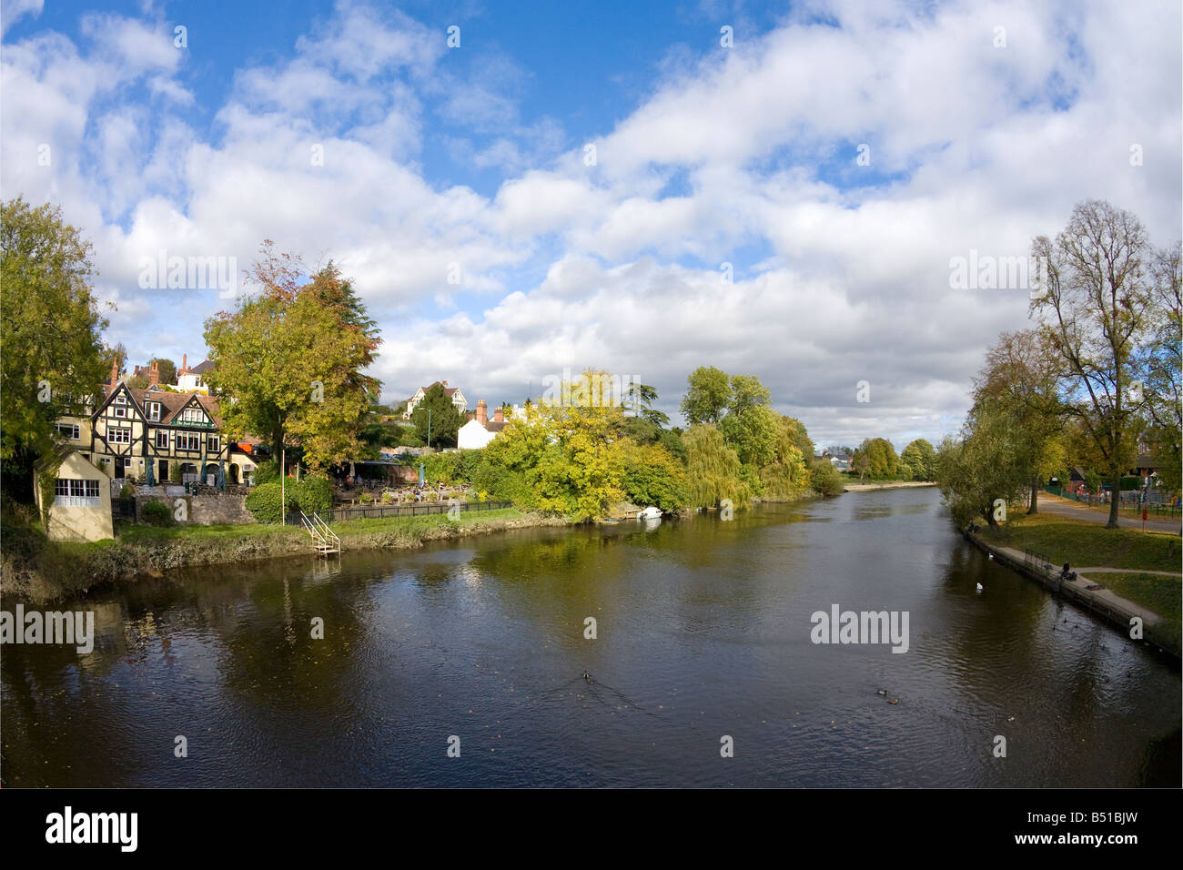 Boat House Inn overlooking the River Severn and the Quarry Park in Shrewsbury Shropshire England UK United Kingdom - Stock Image