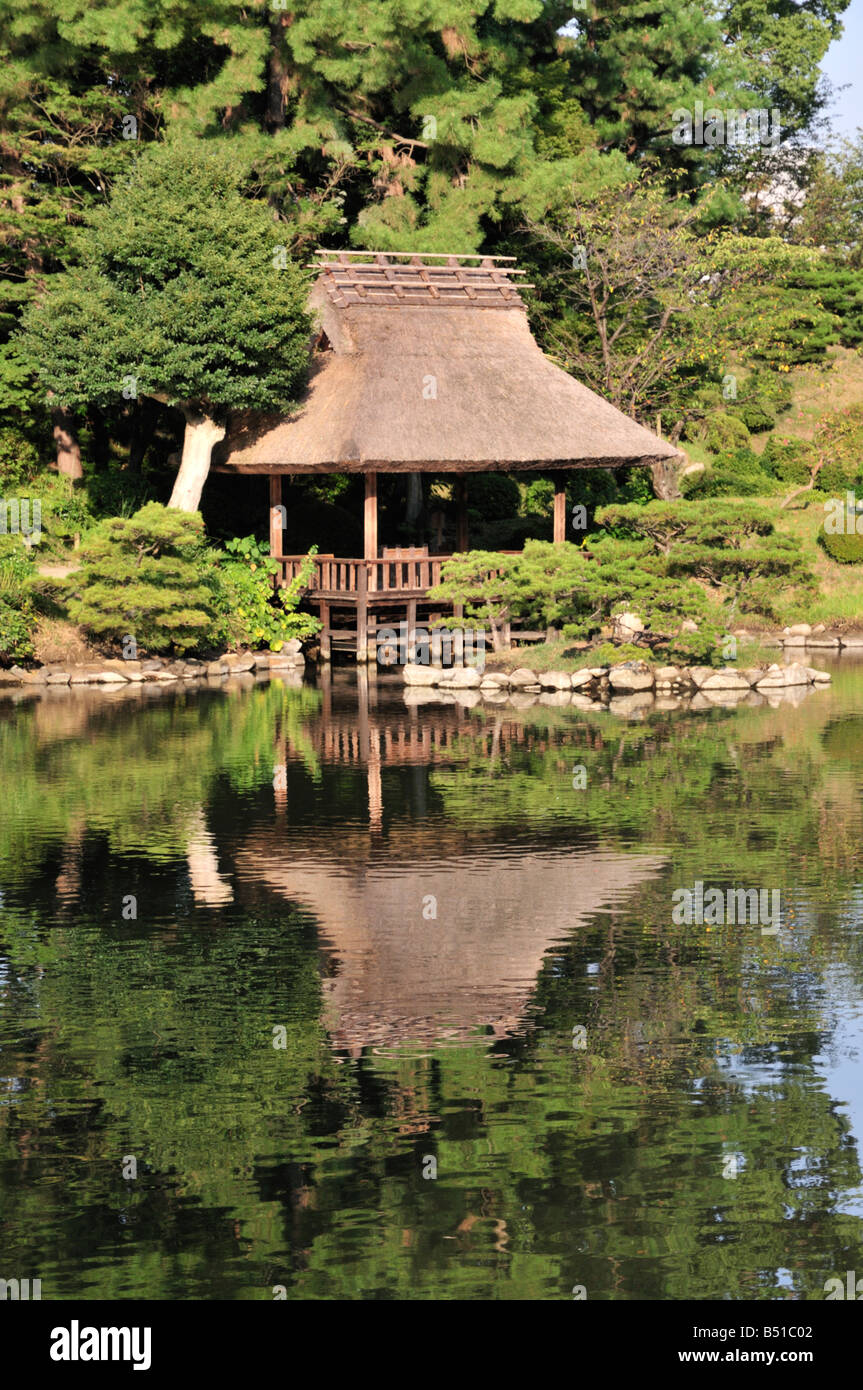 Garden Pagoda Stock Photos & Garden Pagoda Stock Images - Alamy