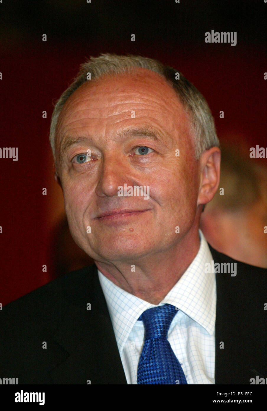 Labour Party Conference at Brighton September 2005 London mayor Ken Livingstone watches David Blunkett as he gives - Stock Image