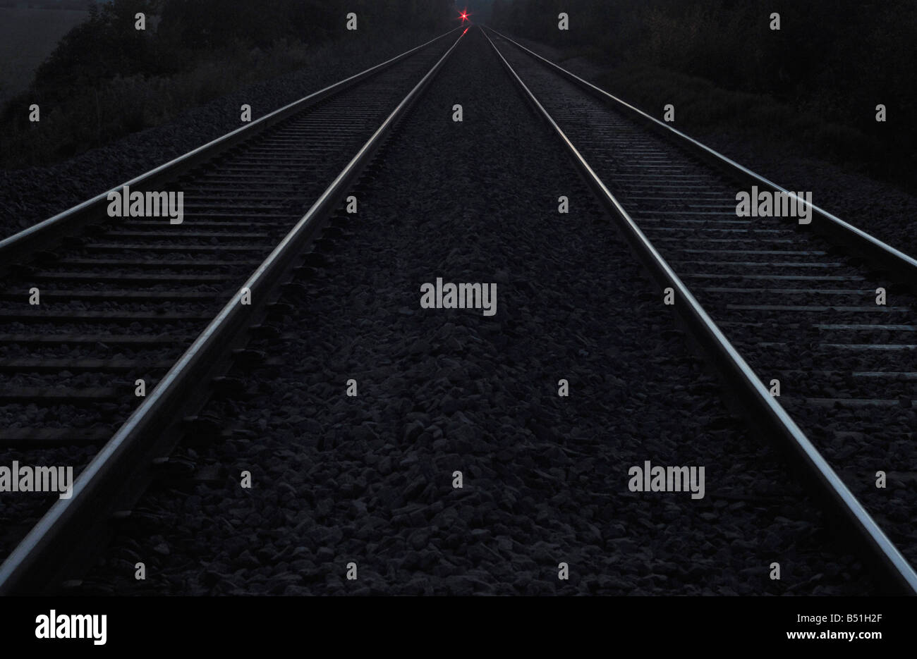 Bedford to Bletchley railway line at night - Stock Image