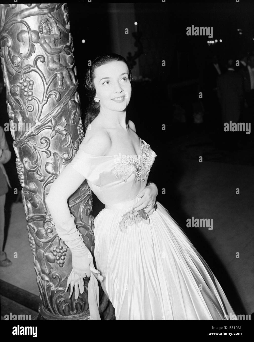 Film;'Encore' Premiere at Plaza, Lower Regent St.;Glennis Johns;Siday     15/11/1951;B5398/2; - Stock Image