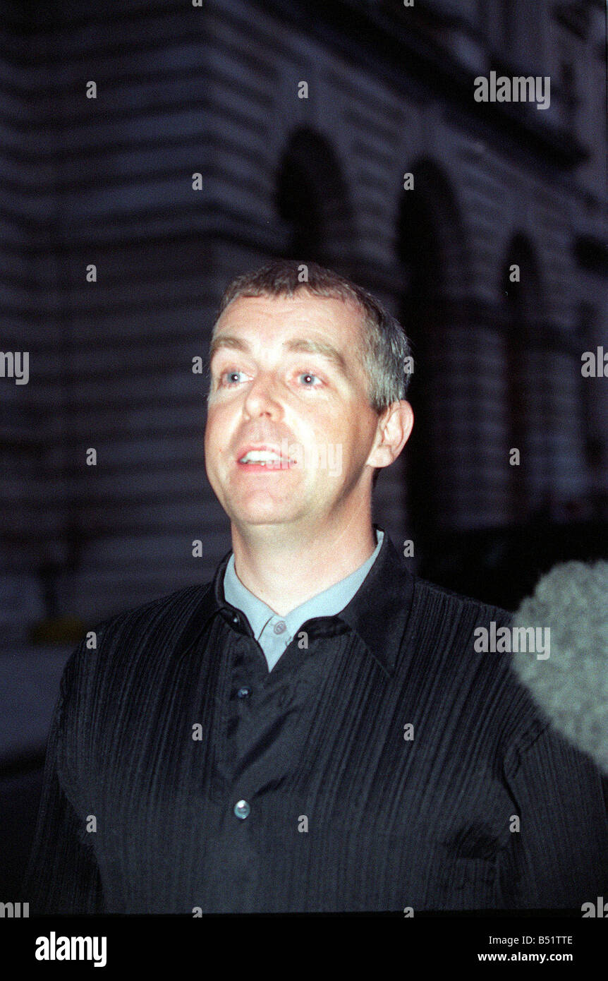 Neil Tennent singer in the pop group the Pet Shop Boys arrives at Tony Blairs Party at number 10 Downing Street - Stock Image