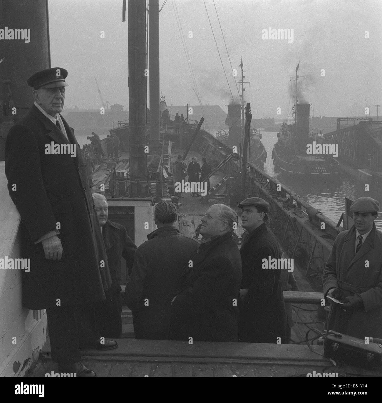 Tall Ships Last voyage of the Cutty Sark December 1954 The Captain and crew on board the Tea Clipper Cutty Sark - Stock Image
