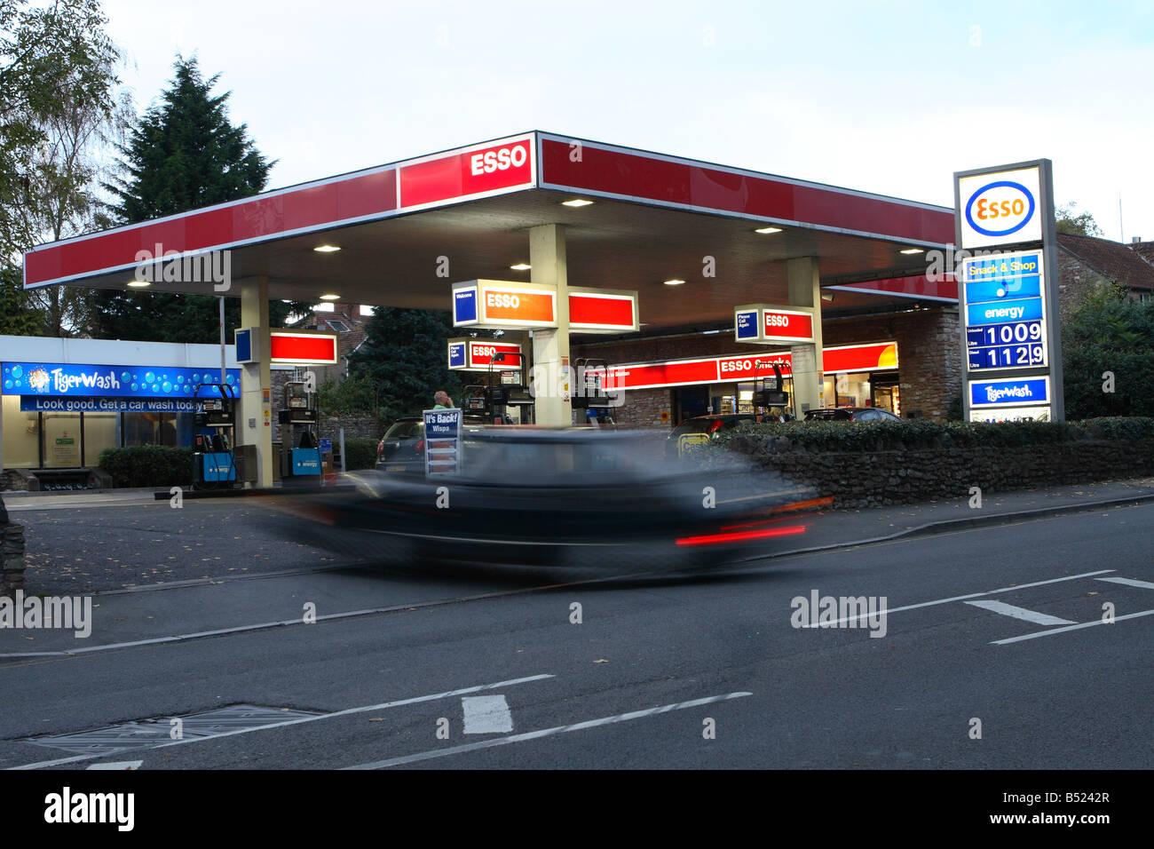 Esso petrol stock photos esso petrol stock images alamy for Garage energy automobiles
