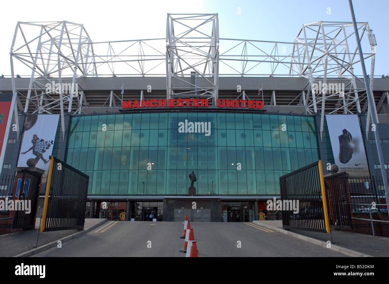 Old trafford manchester united football club mufc - Stock Image