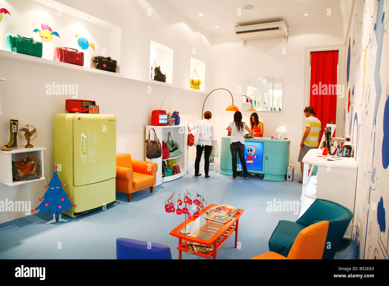 March 2008 - Tripping a trendy furniture and fashion shop in Palermo Viejo known as Soho Buenos Aires Argentina - Stock Image