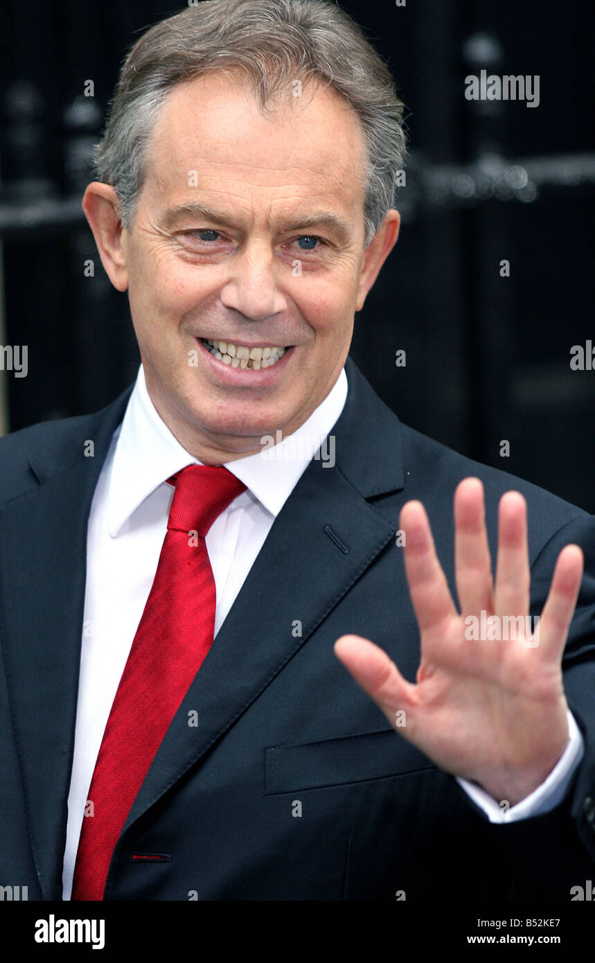 27.6.07: Tony Blair leaves Downing Street today for question time .