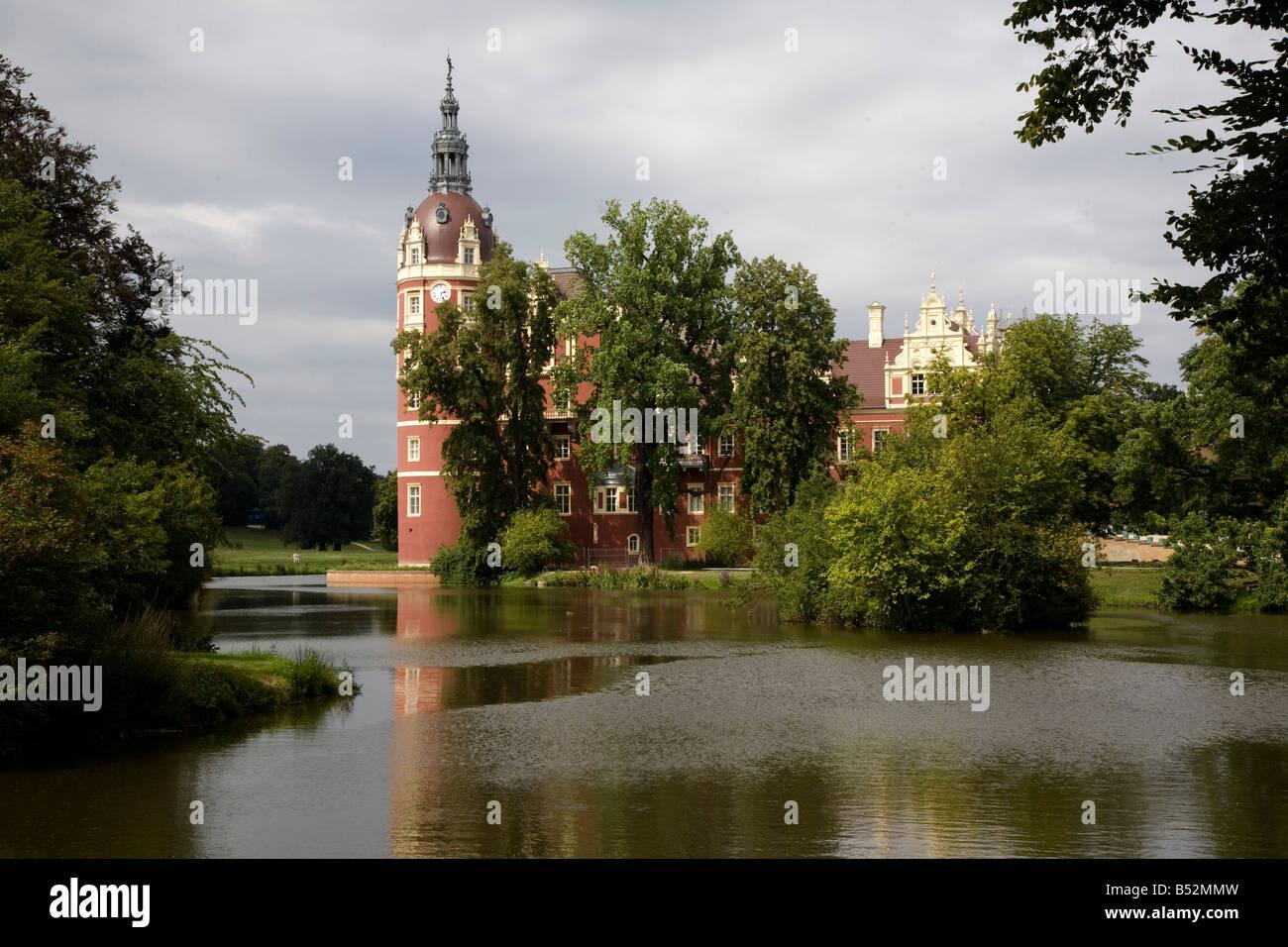 Bad Muskau, Landschaftspark (Park Muzakowski), Neues Schloß Stock Photo