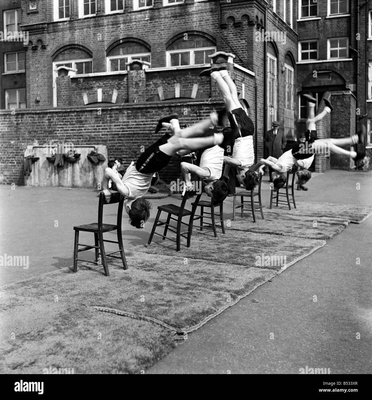 William Blake Secondary School, Battersea. Gymnastics. March 1952 C1257-003 - Stock Image