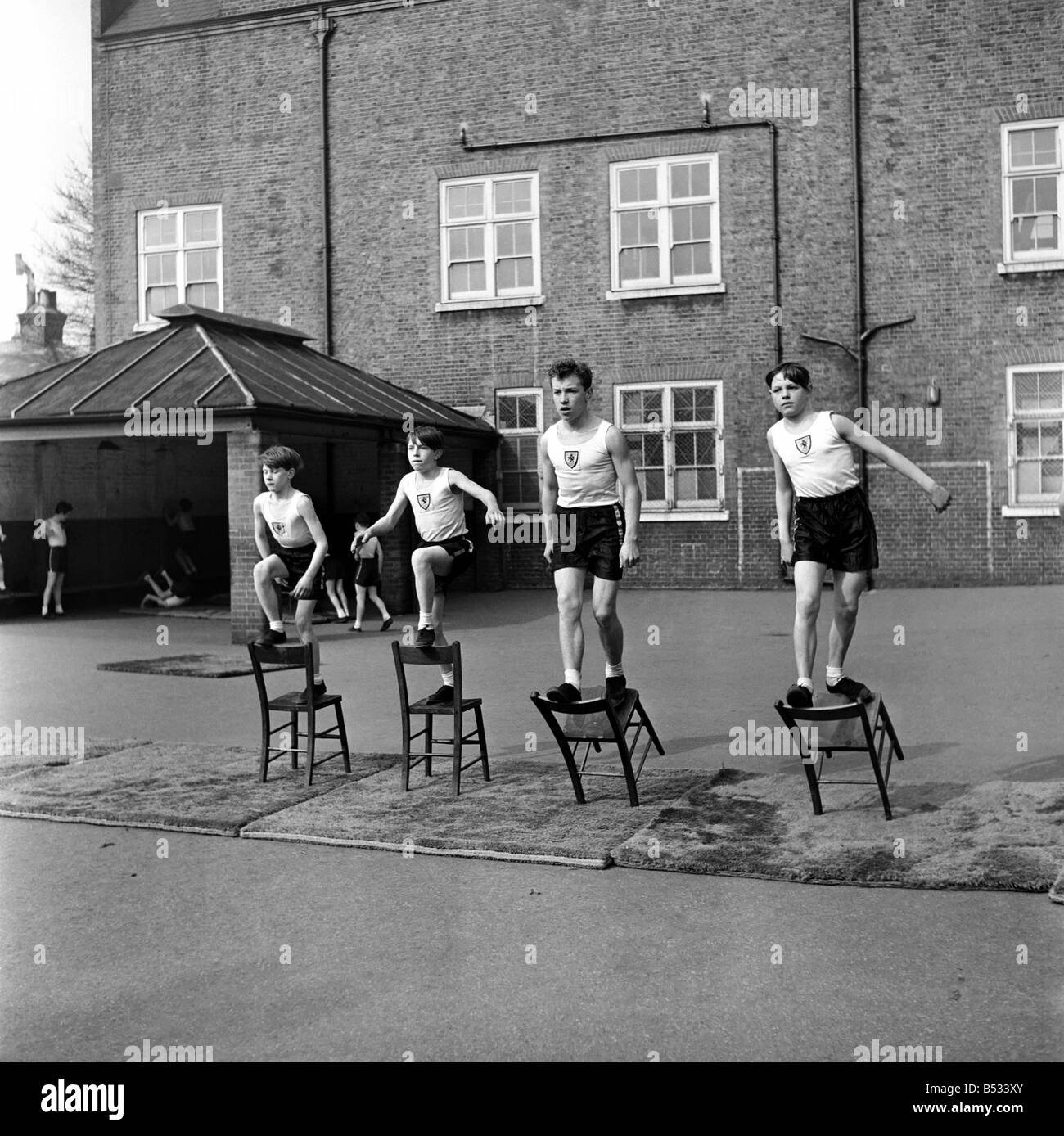 William Blake Secondary School, Battersea. Gymnastics. March 1952 C1257-004 - Stock Image
