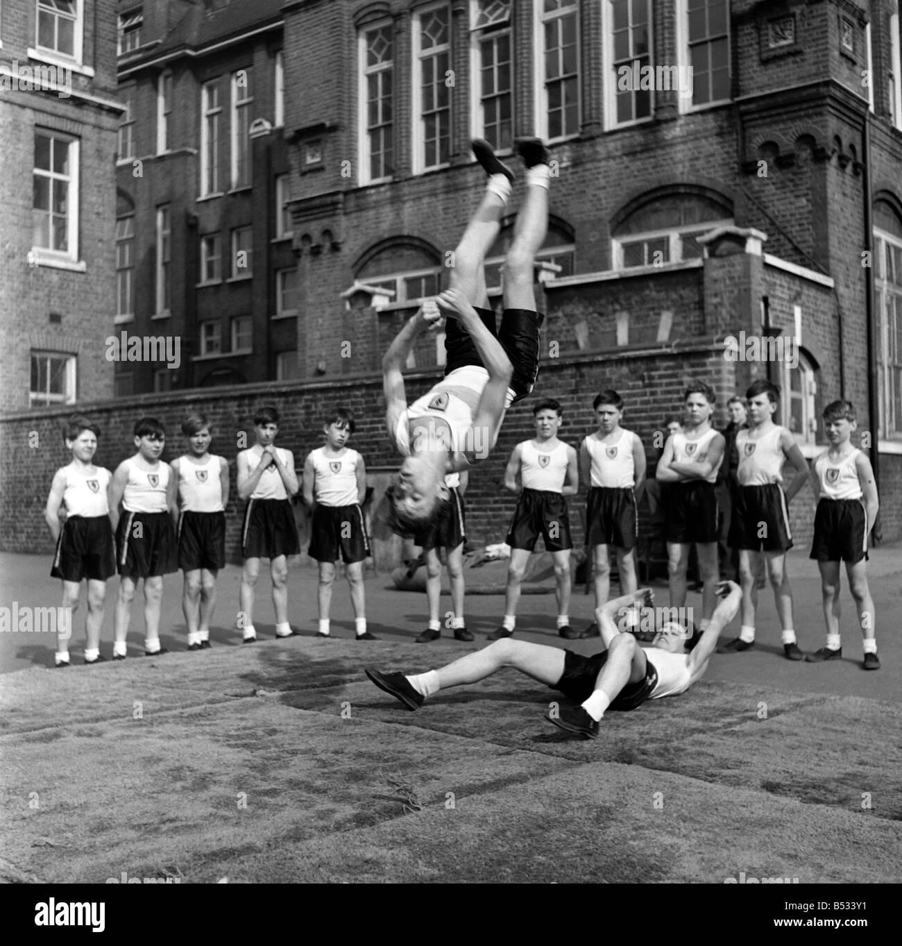 William Blake Secondary School, Battersea. Gymnastics. March 1952 C1257 - Stock Image