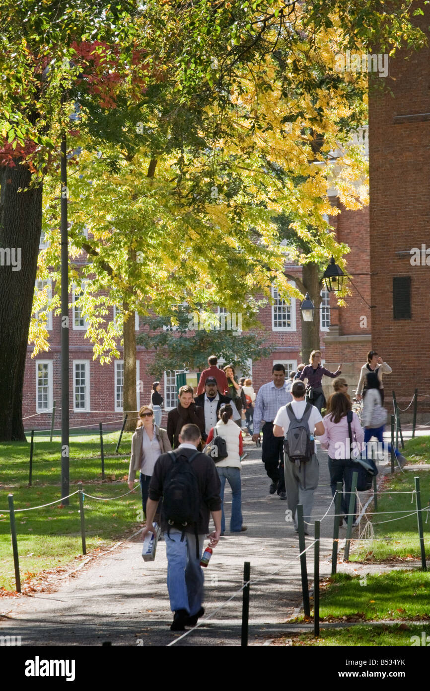 Students walking to classes in Harvard Yard Harvard University Cambridge Massachusetts - Stock Image