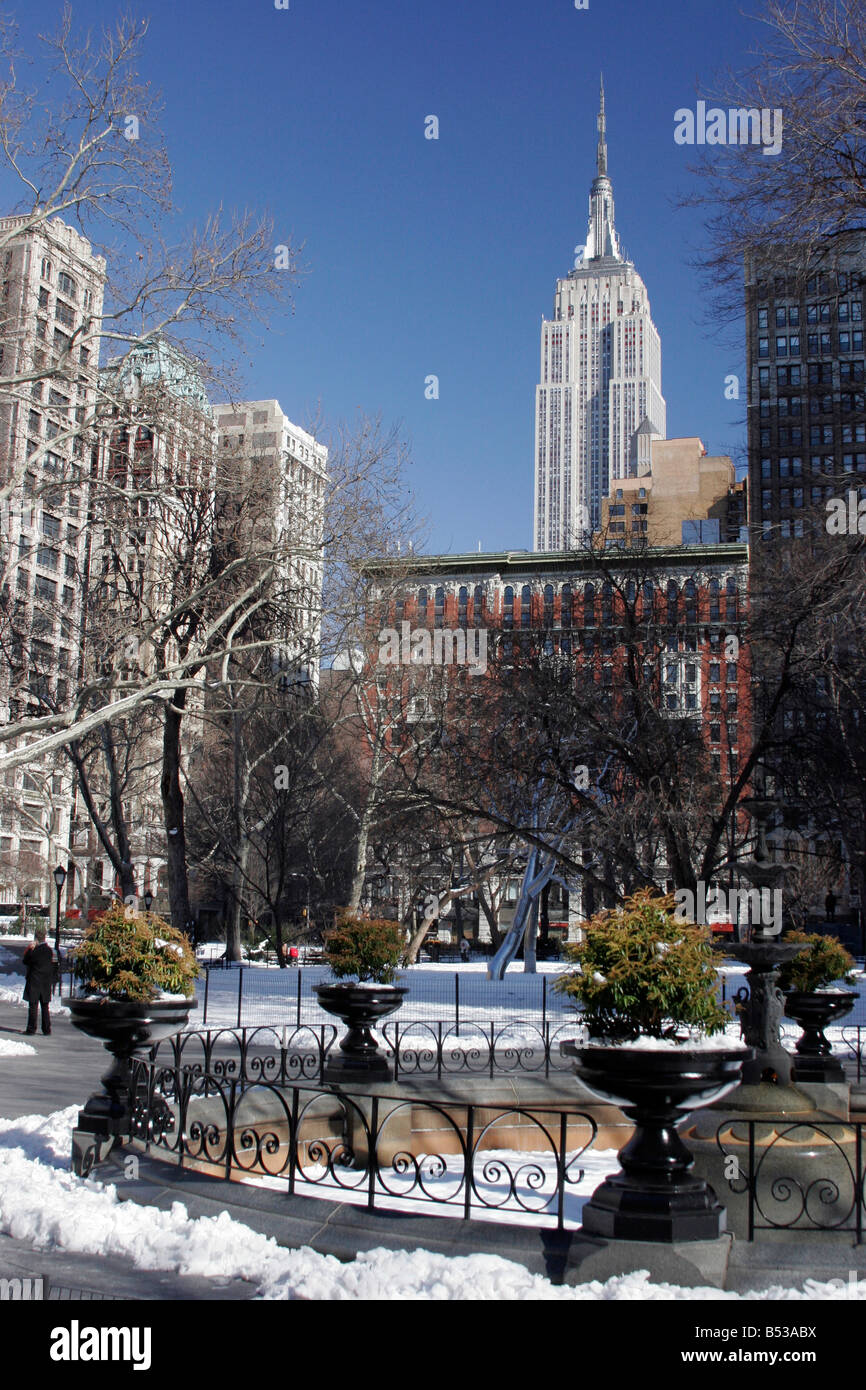 Looking North from Madison Square Park up to the Empire State Building - Stock Image