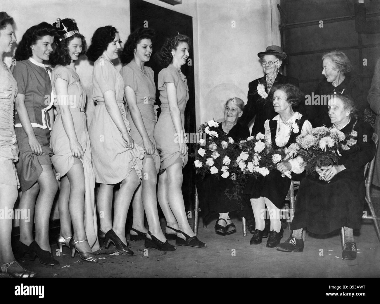 Clothing Women Stockings The Old Ladies Of The Hosiery Trade Met The Young