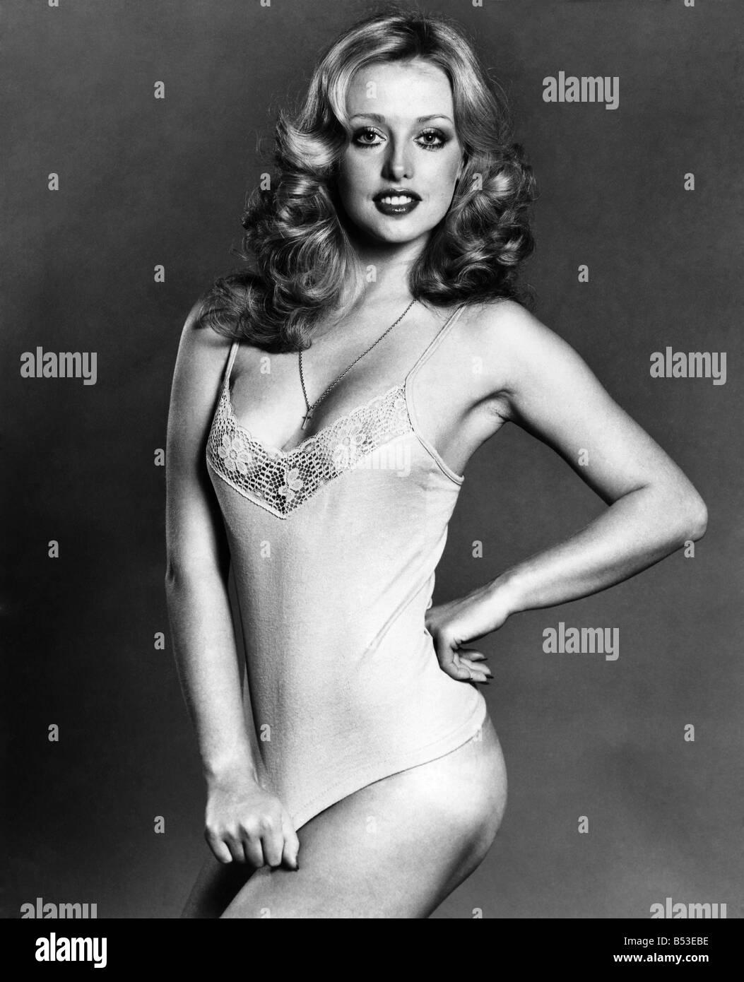 Cathy Downes Nude Photos 35