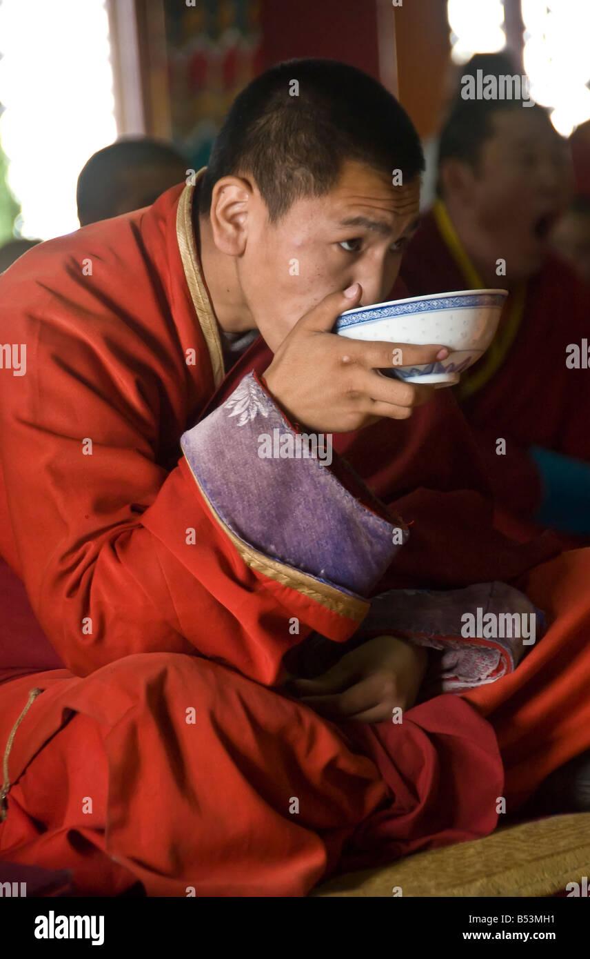 Buddhist Monk at the Gandan Khiid Monastery UlaanBaatar Mongolia - Stock Image