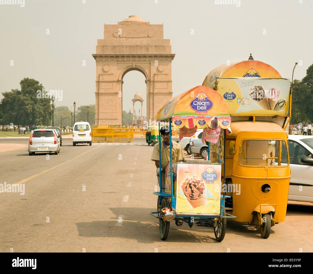 Ice cream men and their vans, India Gate, New Delhi, India - Stock Image