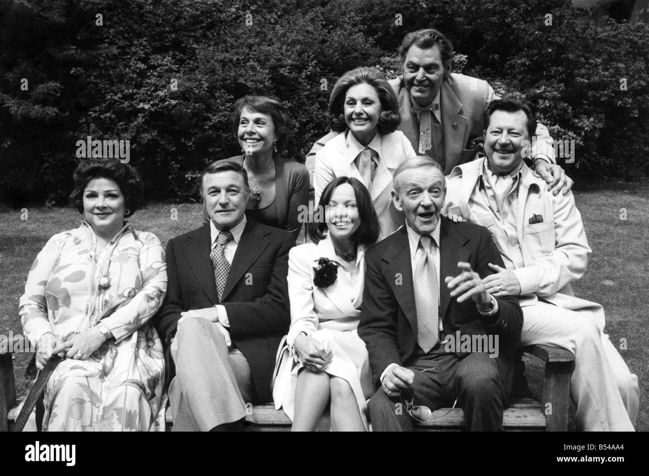 The big-name stars from the golden days of the silver screen gathered in London on Sunday (16-5-76) for the gala - Stock Image