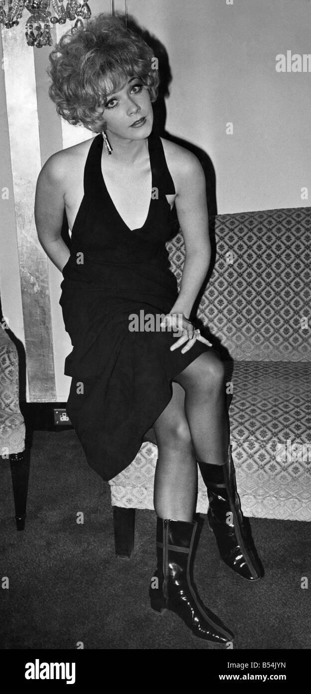 Amy Perez (b. 1969) picture