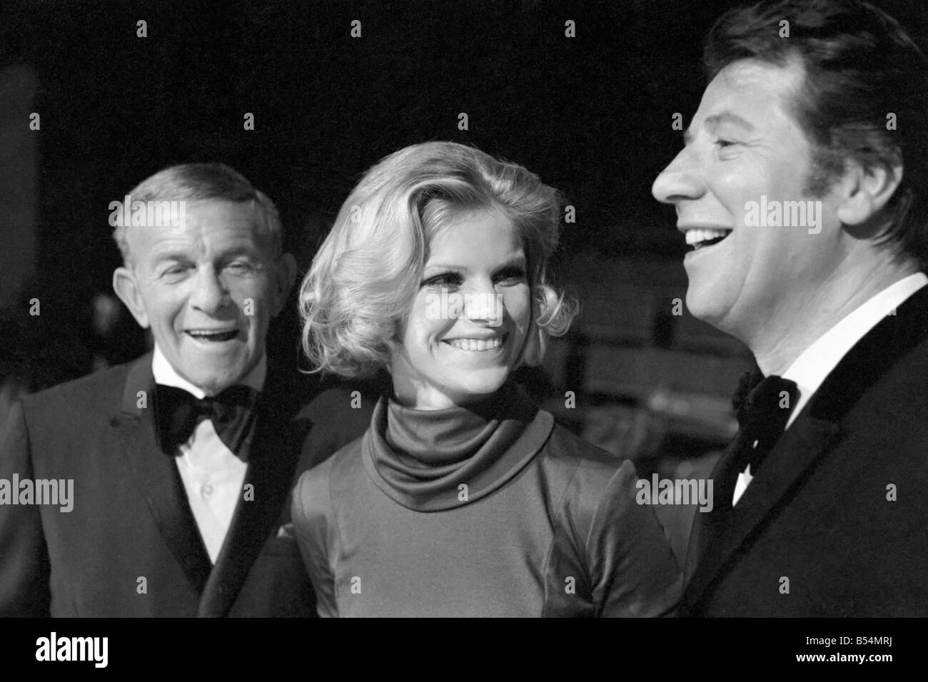 Entertainment Television Presenters. Max Bygraves (right) with guests and artistes appearing in his show Max. December - Stock Image