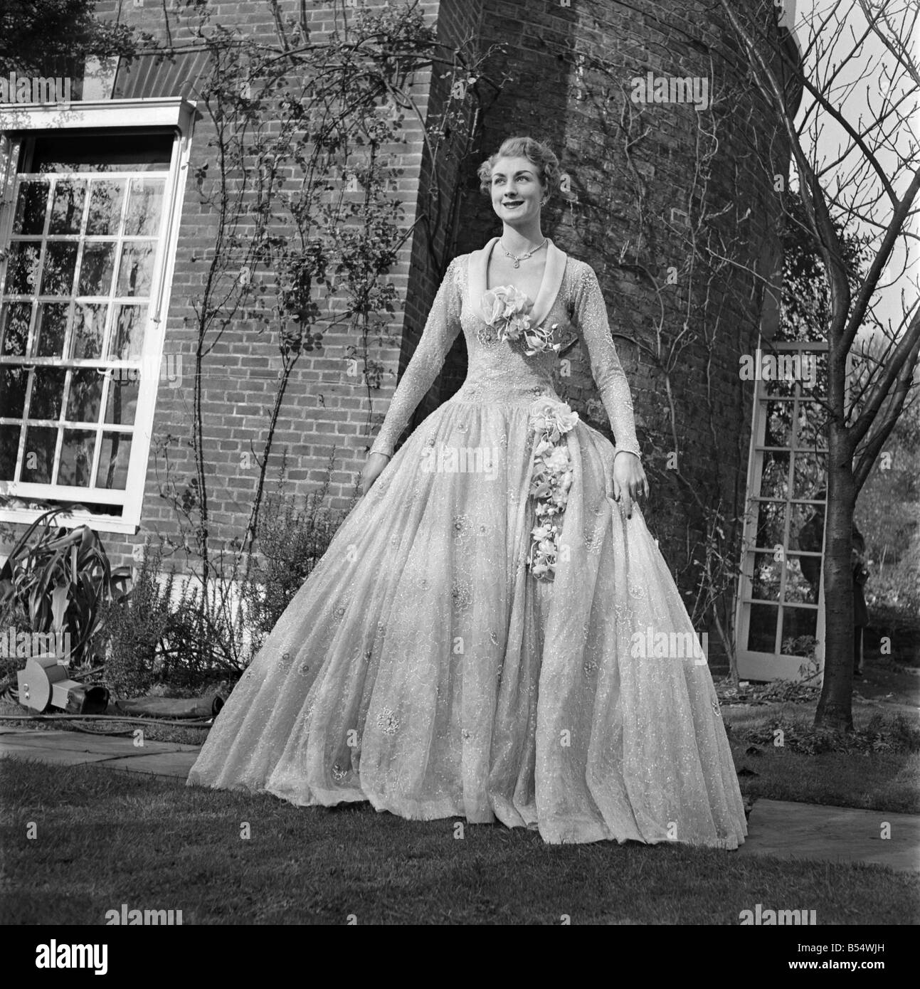 Fashion Designers 1953 High Resolution Stock Photography And Images Alamy