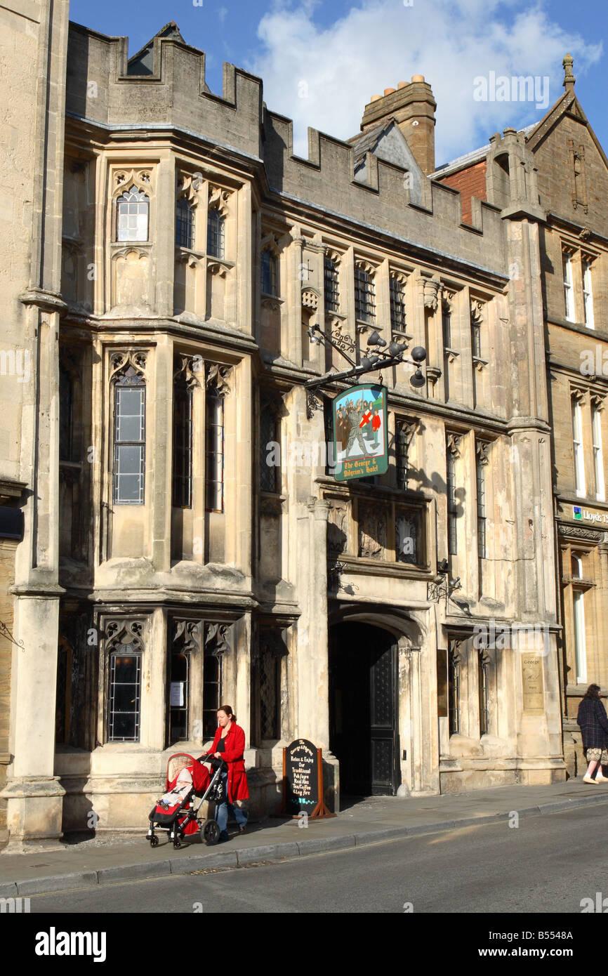 The George and Pilgrim hotel inn Glastonbury Somerset built in the 14th century - Stock Image