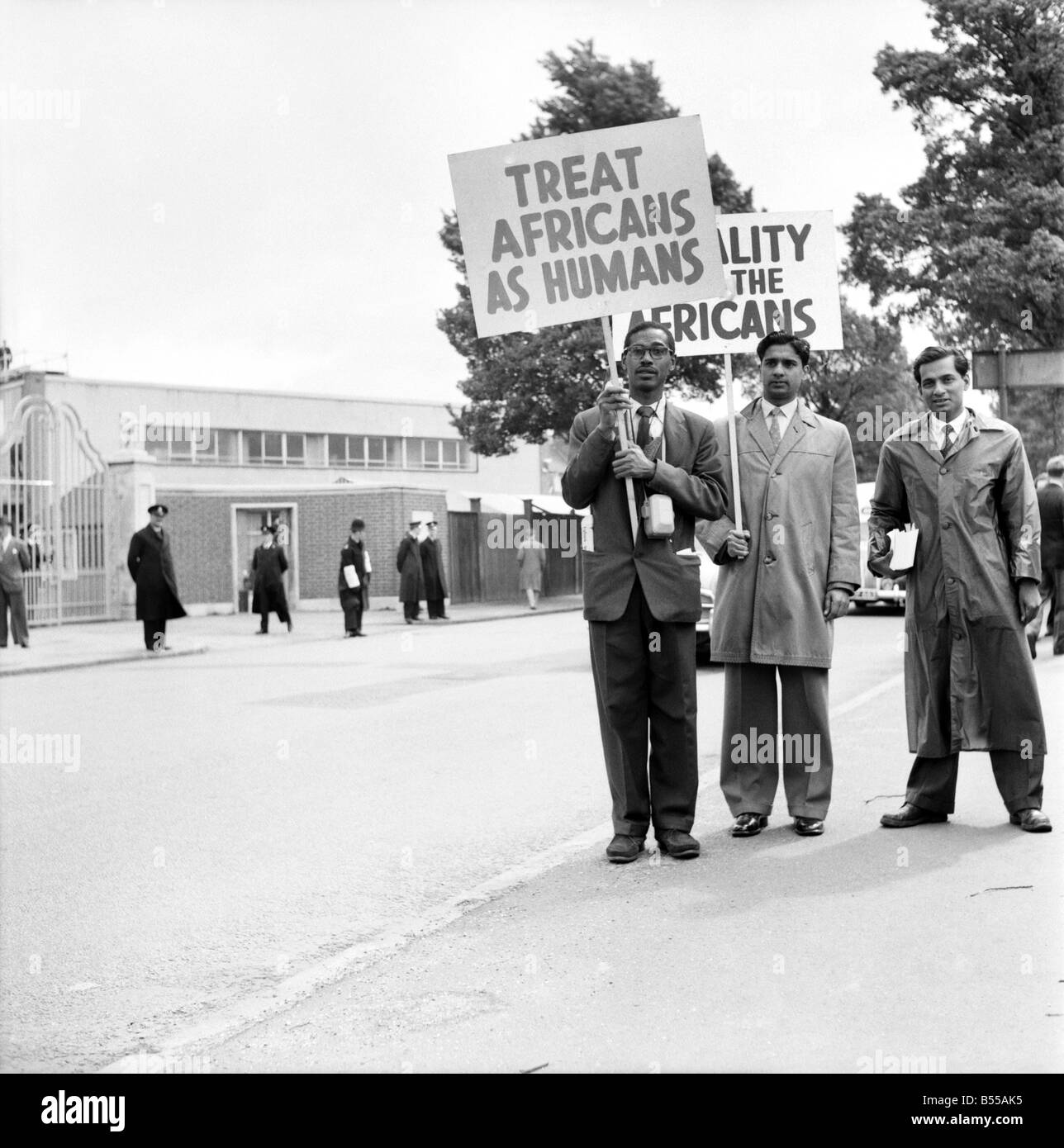 Demonstration at Test Match: Anti apartheid demonstrators outside the Test Match cricket ground Edgbaston. June - Stock Image