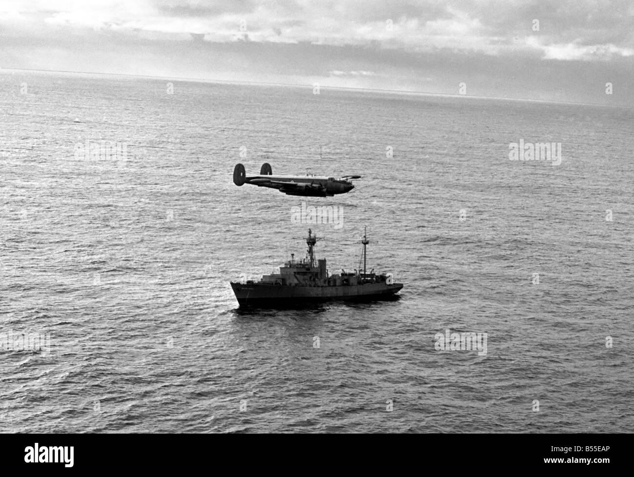 Christmas parcels were dropped to the weather ship India from an Raf Shackleton of 204 Squadron Ballykelly today - Stock Image