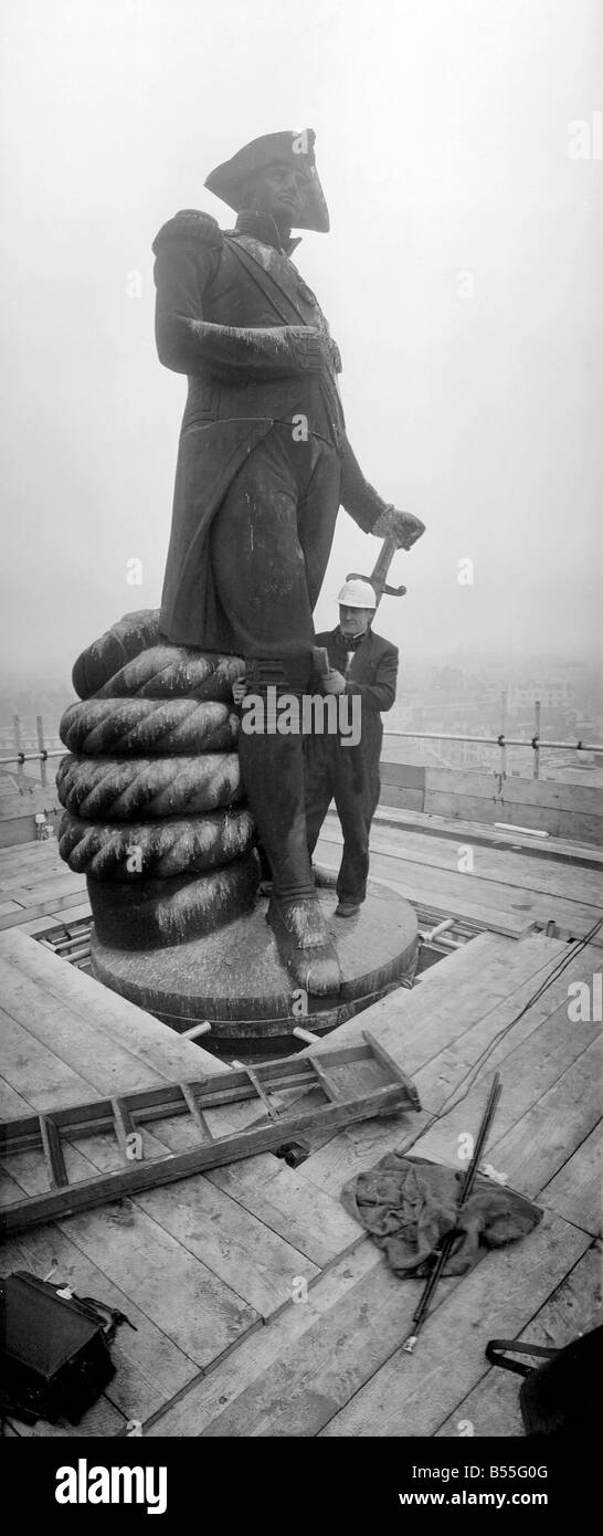 Cleaning Nelson s Column Trafalgar Square London February 1968 166 ft above Trafalgar Square stone cleaner Ted Chambers - Stock Image