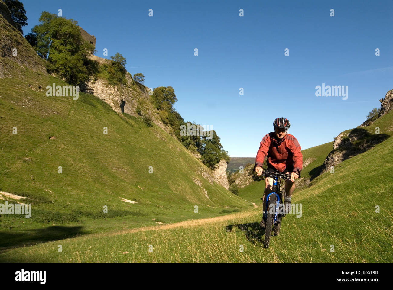 Doug Blane mountain biking Cavedale Castleton in the Peak District National Park Derbyshire UK England GB Great Stock Photo