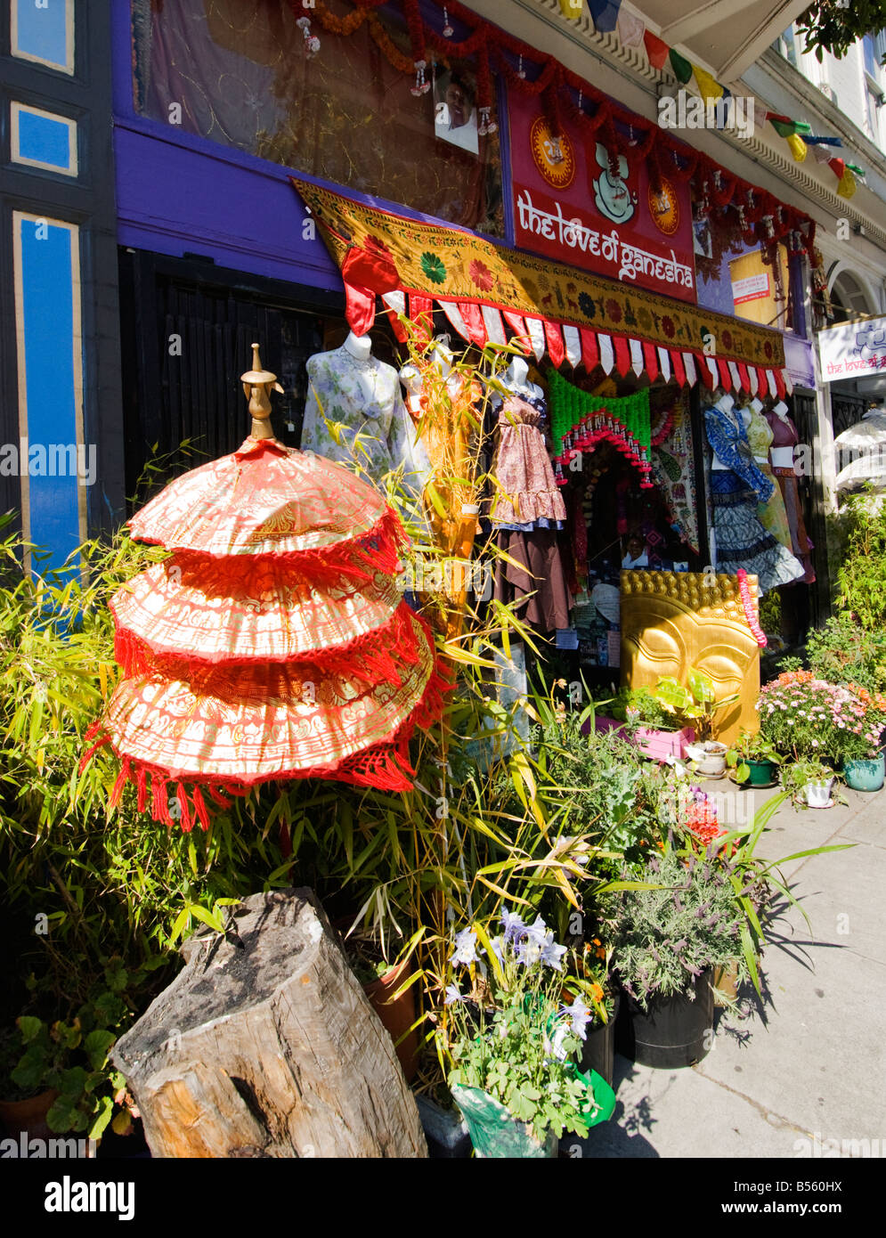 California San Francisco Eastern mysticism shops in the Haight Ashbury Photo 28 casanf79286 Photo Lee Foster 2008 - Stock Image