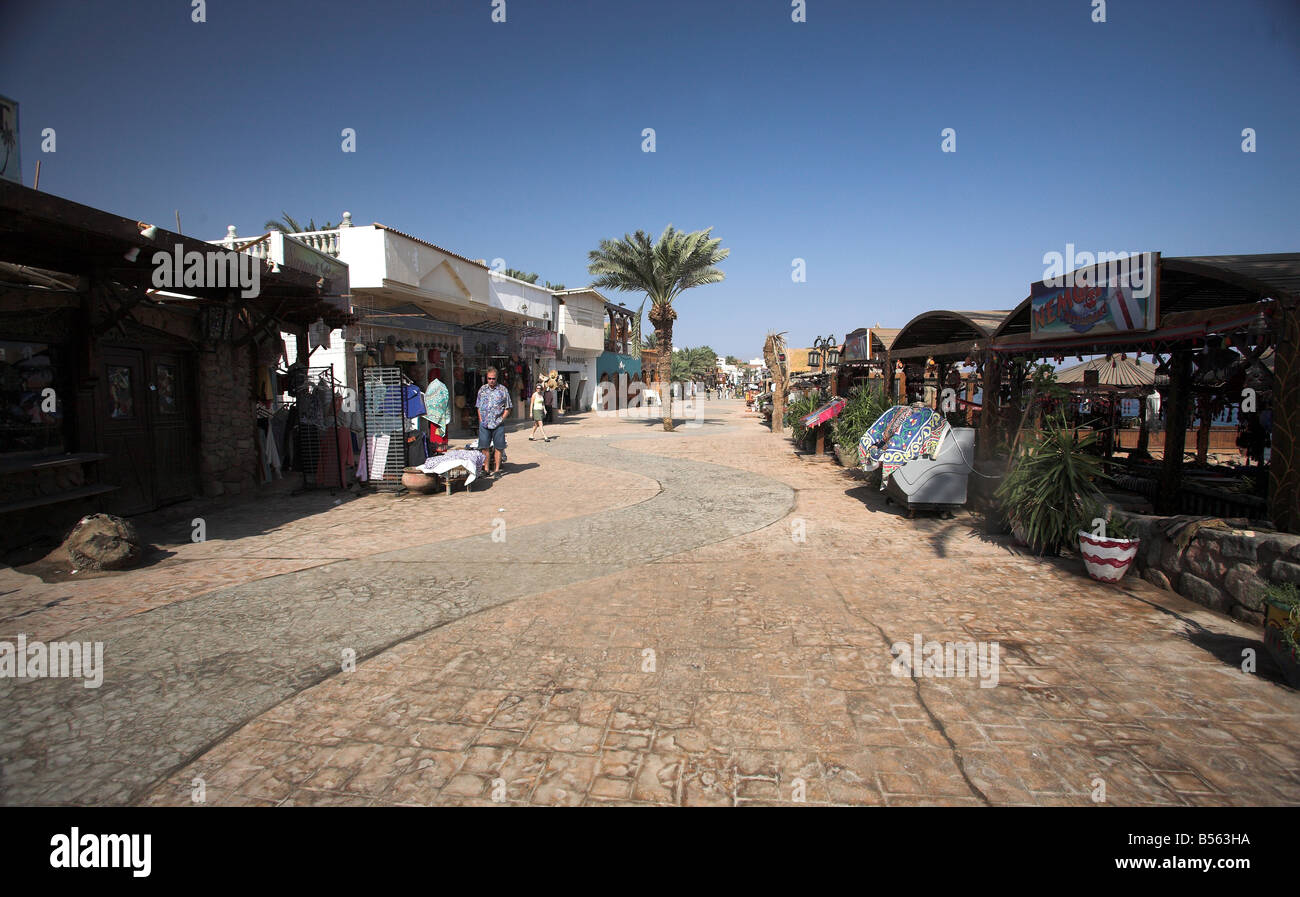 Masbat seafront in Asilah,  Dahab by the Gulf of Aqaba, South Sinai Peninsula, Egypt. - Stock Image