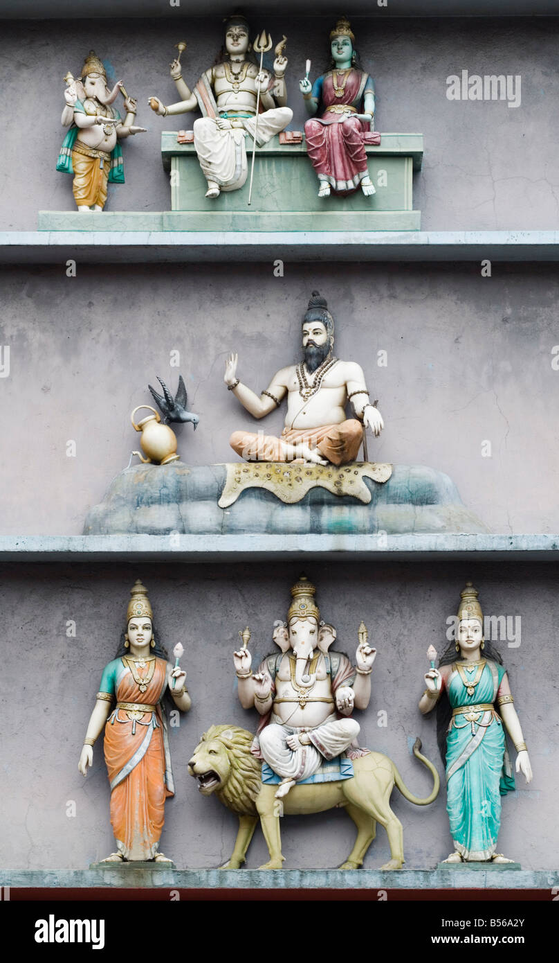 Hindu gods adorn the Sri Mahamariamman Temple, Chinatown, Kuala Lumpur, Malaysia - Stock Image