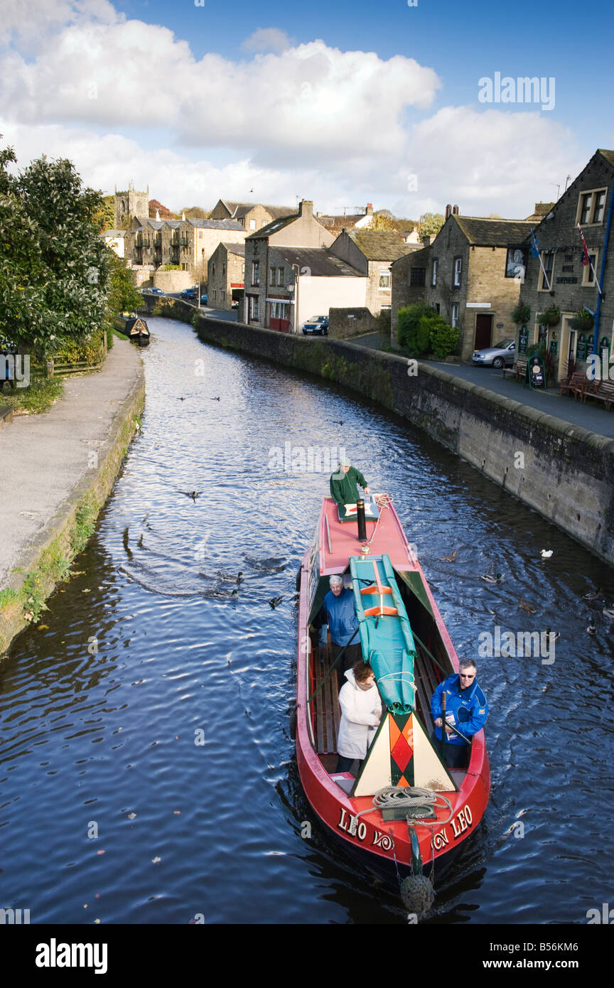 A narrowboat on the 'Leeds and Liverpool 'Canal in  Skipton 'North Yorkshire' England, 'Great - Stock Image