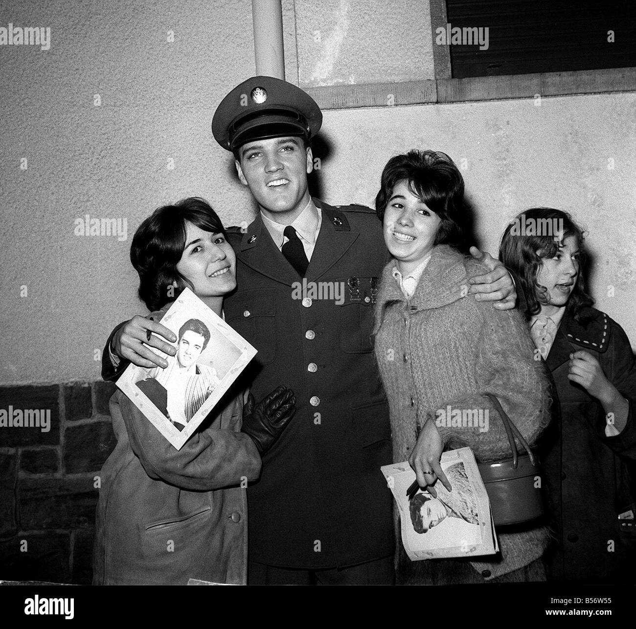 Elvis Presley with fans before press conference in Germany March 1962 - Stock Image