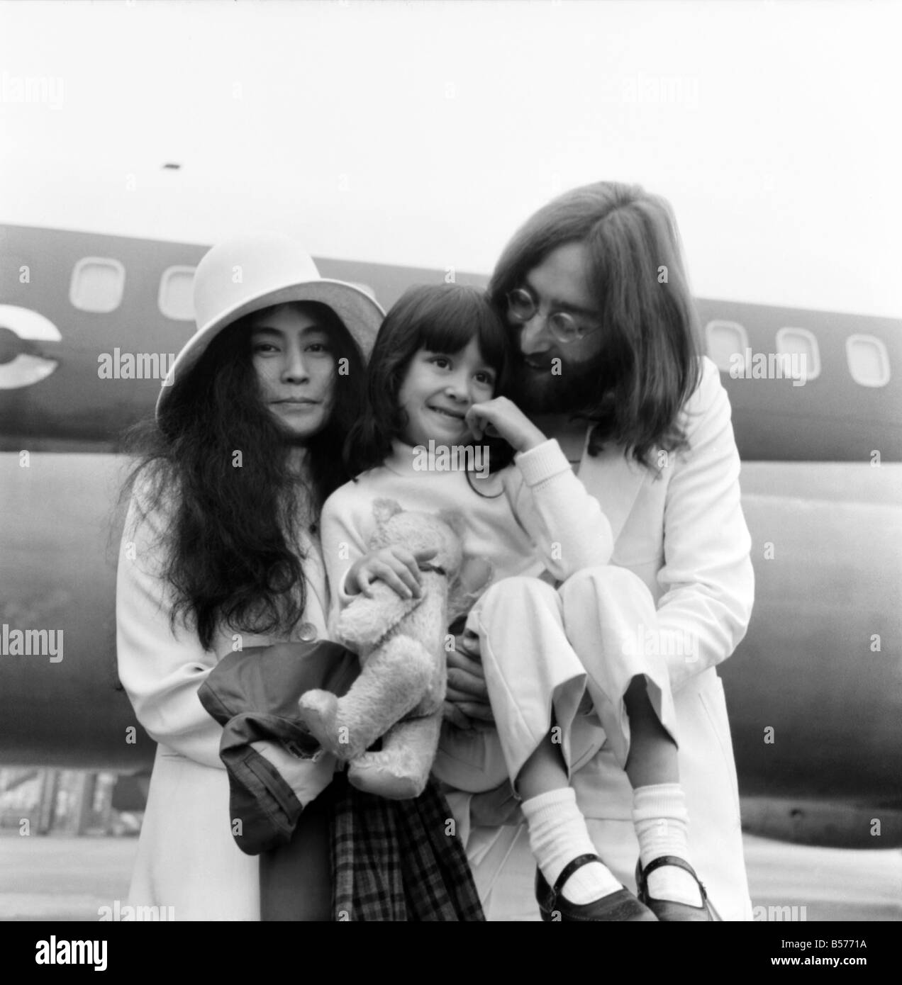 Beatle John Lennon And His Wife Yoko Ono Left Heathrow Airport London This Afternoon Sat To Fly The Bahomes For Another Bed